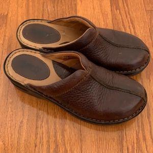 Born Brown Clogs Size 7